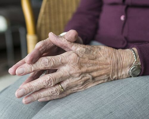 hand-hands-old-old-age